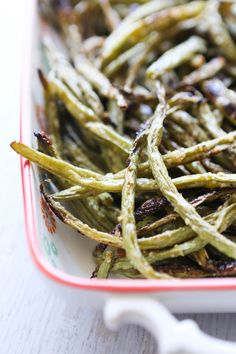 This is my favorite way to prepare and enjoy fresh green beans! Just 4 ingredients required to make this perfect, healthy side dish. This recipe is easy to make and you can't imagine how delicious it is! Great for holidays or weeknight meals. Carbs In Green Beans, The Best Green Beans, Healthy Meals For Two, Healthy Side Dishes, Healthy Recipes, Delicious Recipes, Vegetable Dishes, Vegetarian Recipes, Tasty