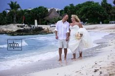 Kari-Ann & Rodney made the cutest couple at their #GrandSirenisRivieraMaya Wedding Day Celebration that #MTMPhotography captured for them to re-visit and feel all those magical moments happily ever after!!!