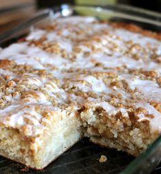 Banana Bread Crumb Cake #bananabread #quickbread #dessert