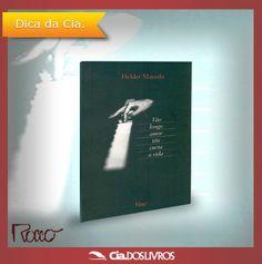 """#DicaCia  """"Tão Longo Amor"""", de Helder Macedo, foi o primeiro romance aclamado do escritor e poeta português.  Londres torna-se o cenário perfeito para a trama!   A construção de um verdadeiro labirinto que expõe a fronteira entre fato e invenção.  Conheça o livro: http://s55.me/Q9ofozE   Veja a resenha que o jornal """"O Globo"""" publicou sobre o romance: http://s55.me/Q9mvXWY"""
