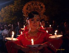 Tari Lilin, Indonesian traditional dance from West Sumatra, Indonesia.