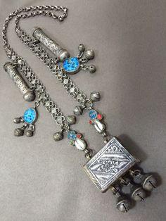 Kurdish, from Iraqi Kurdistan. Silver, blue glass paste, corals and two Cypraea shells. Cleaning Silver Jewelry, Silver Jewelry Box, Silver Hoop Earrings, Tribal Jewelry, Vintage Jewelry, Earrings Uk, Silver Bracelets, Diamond Jewelry, Boho Chic