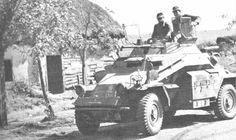El SdKfz 222 era una version del SdKfz 221 con una torreta destinada a portar un cañon automatico. Se ordenaron y fabricaron siete series, existiendo entre ellas pocas modificaciones, cesando la produccion en 1943, sin haberse desarrollado una nueva version de 4x4, ya que el SdKfz 234 de ocho ruedas era mas util para las operaciones de reconocimineto en el futuro