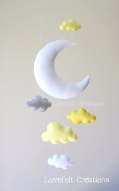 Baby mobile cloud mobile yellow and gray por lovefeltmobiles