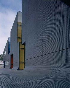 Thiais Bus Centre by ECDM architects - Dezeen