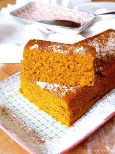 Bizcocho de zanahoria en microondas. Receta rápida y sencilla hecha con harina integral de Espelta y zanahorias.