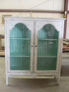 love the white with the blueish green interior design design and decoration bedrooms interior design Furniture Projects, Furniture Makeover, Diy Furniture, Colonial Furniture, Shabby Vintage, Vintage Hutch, Repurposed Furniture, Painted Furniture, Painted Hutch