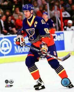 Wayne Gretzky Action Photo Print x St Louis Blues, Blues Nhl, Wayne Gretzky, Pittsburgh Penguins Hockey, Sport Body, Go Blue, Field Hockey, National Hockey League, Sports Photos