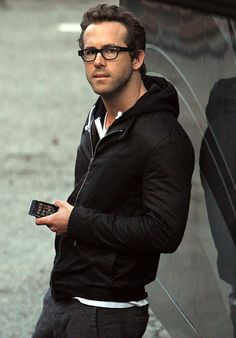 Ryan Reynolds wearing Black Hoodie, White Crew-neck T-shirt, Charcoal Chinos Ryan Reynolds, Cute Presents For Boyfriend, Chaning Tatum, Looks Black, Raining Men, Men Looks, Man Crush, Cute Guys, Poses