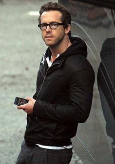 Ryan Reynolds looks cute in glasses!