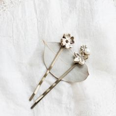 delicate hair pins