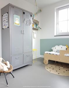 Peuter slaapkamer jongen | Kinderkamerstylist grey kids rooms with a hint of green walls for kids paint