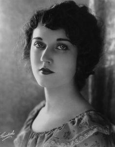 Fay Wray 1907-2004.
