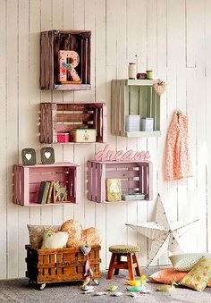 Muebles con cajas de madera recicladas
