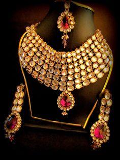 Gold Jewelry Buyers Near Me Pakistani Bridal Jewelry, Bollywood Jewelry, Indian Bridal, India Jewelry, Gold Jewelry, Jewlery, Metal Choker, Bridal Necklace Set, Women Jewelry
