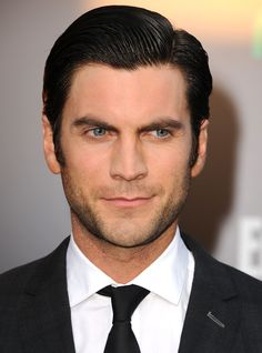 """Wes Bentley Opens Up About Heroin Addiction"""