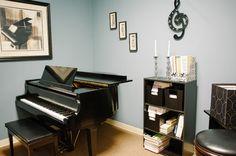 http://zayasstudios.com/wp-content/themes/infocus/images/Piano-Room.jpg