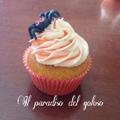 SPECIAL HALLOWEEN NEW CUPCAKE SPEZIATO ALLA ZUCCA con un ragnetto insidioso #CUPCAKE #halloween #solocosebuone #bakery #torte #cake #yummy #sugar art #patisserie #desserts #sweettooth #chocolate #eat #yum #delicious #tasty #hungry #yum #icecream #foodpics #TagsForLike