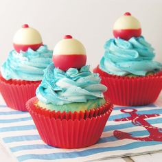 Say Happy Father's Day to your Favorite Dad with these Super Cute Fishing Bobber Cupcakes! Easybaked.net