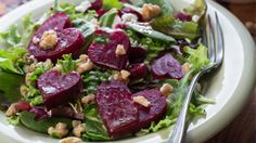Paleo Roasted Beet, Fennel & Spinach Salad -- full of fiber