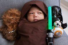 Veja alguns bebês fofos que estão agitando a internet com suas fotos Jedi. - Veja mais em: http://www.vilamulher.com.br/familia/bebes/pais-compartilham-fotos-de-bebes-vestidos-de-personagem-de-star-wars-m1215-713987.html?pinterest-mat