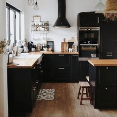 my scandinavian home: A Home In The South of France With a Lovely Black Kitchen Black Kitchen Cabinets black France home kitchen LOVELY Scandinavian South Kitchen Decor, Kitchen Inspirations, Cottage Kitchen, Black Kitchen Cabinets, Home Kitchens, Kitchen Design, Black Kitchens, Kitchen Remodel, My Scandinavian Home