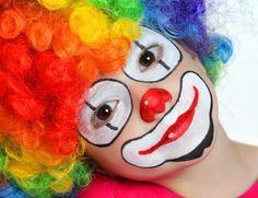 Pretty Clown Clown Costume Diy, Circus Costume, Diy Costumes, Le Clown, Clown Faces, Circus Clown, Carnival Makeup, Clown Makeup, Halloween Makeup