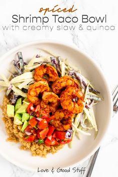 Feeling like an easy but healthy dinner? This shrimp taco bowl is your answer. Spiced shrimp, cilantro slaw, fresh pico de gallo and diced avocado for the win! Shrimp Recipes, Fish Recipes, Meat Recipes, Whole Food Recipes, Dinner Recipes, Pescatarian Diet, Pescatarian Recipes, Vegetarian Tacos, Vegetarian Recipes
