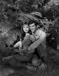 "Audrey Hepburn and Antony Perkins in ""Mansiones Verdes"" Resultat d'imatges de anthony perkins"