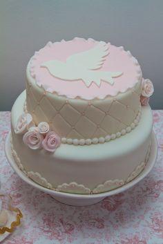 Bolo de batizado | Bolos e Travessuras Fondant Cakes, Cupcake Cakes, Christian Cakes, Christening Cake Girls, First Holy Communion Cake, Religious Cakes, Confirmation Cakes, Novelty Cakes, Girl Cakes