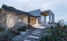카페라면 대박날듯! 바다를 향해 그네를 타는 집Rural House Renovation in Zhoushan Architects : E...