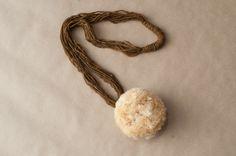 Collar By Noemí Buendía Materiales: Plata 925, lana y montera originaria de Chiapas México