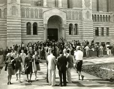 - Opening Day at the new UCLA campus in front of the Powell Library. Students are dressed in the latest styles. Ucla History, Ucla Campus, Westwood Village, Ucla Bruins, History Images, Historical Photos, Street Photography, City Photo, How To Memorize Things