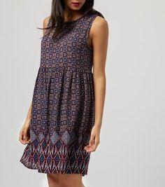 £19.99 New Look Burgundy Sleeveless Tile Print Smock Dress