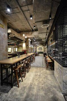 ร้านอาหาร T Station บรรยากาศสไตล์ย้อนยุค โครตเท่ห์ . ที่ตั้ง โรงแรม Eastin Tan เชียงใหม่