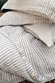 Capa de edredom / Stonewashed linen bedding duvet cover by HouseOfBalticLinen Striped Bedding, Striped Linen, White Duvet Bedding, Grey Duvet, Boho Bedding, Ticking Stripe, Quilt Bedding, Linen Duvet, Linen Fabric