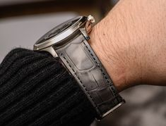 H. Moser & Cie. Endeavour Flying Hours Watch Hands-On Hands-On