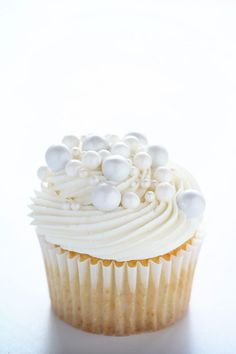 The Perfect White Wedding Cupcakes