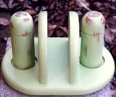 Shabby Chic Distressed Wooden Salt And Pepper Shaker Set With Napkin Holder In…
