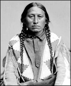 Apache man Guerito, or Man with Yellow Hair. Photo: taken at the Jicarilla Reservation, New Mexico 1880. - National Anthropological Archives, Smithsonian Institution. Glass Negatives of Indians (Collected by the Bureau of American Ethnology) 1850s-1930s.