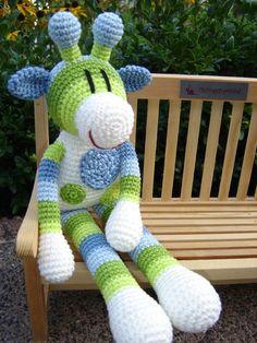 Eine süße gehäkelte Giraffe namens Pünktchen ♥  Zum Knuddeln, Kuscheln, Liebhaben, Hinsetzen, An- und Ausziehen  *ACHTUNG: Nicht für Kinder unter 3 Jahren, da sich evtl. Kleinteile lösen könnten,...