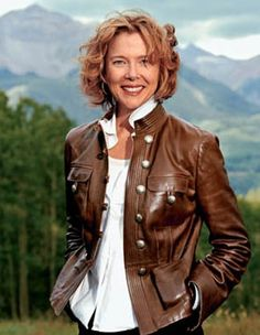 Annette Bening Iconic Women, Famous Women, Annette Benning, Actrices Hollywood, Female Images, Classy Women, Best Actor, Role Models, Movie Stars