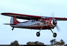 Cessna 195. What a beautiful aircraft.