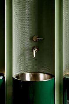 Fig: Stunning Soft Green Facial Bar by Scott & Scott Architects [Vancouver] – Trendland Online Magazine Curating the Web since 2006 Unique Home Decor, Cheap Home Decor, Home Interior, Interior Decorating, Interior Colors, Interior Modern, Bathroom Interior, Interior Design, Kitchen Interior
