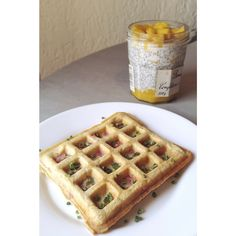 Gofres saludables - Cantidades para 4 unidades (justitas): 100 grs. Harina de avena, esencia de vainilla, 2 cucharadas  Aceite coco, 100 grs. Yogur, 2 huevos, 1 cucharadita levadura, 2 cucharadas de Panela, 12 gotas de Stevia.  Tomar acompañada de fresas, frambuesa, plátano, yogur, nueces...