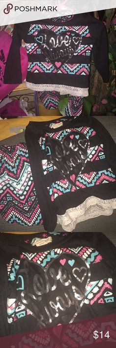 Nice 2- Pc Black w/ lace Toddler Set Nice 2- Pc Set! Black with Graphics on Top! Lace at Bottom of Top! Used Condition! No Holes/Stains, etc.... No Trades One Step Up Matching Sets