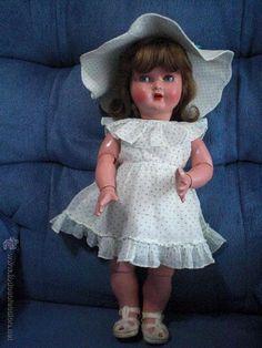 Antique Dolls, Vintage Dolls, Nostalgia, Crochet Hats, Flower Girl Dresses, Toys, Wedding Dresses, Collection, Fashion