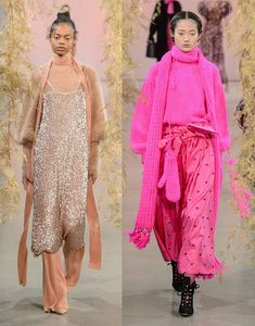 Bruna Virgínia da Silva: Tendências NYFW Outono Inverno 2018! Ulla Johsnon, pink, mix de texturas, nude, glitter, sandália com meia