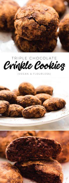 Triple Chocolate Flourless Crinkle Cookies {vegan, oil-free, sugar-free}