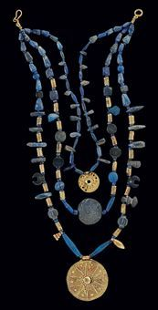 A WESTERN ASIATIC LAPIS LAZULI AND GOLD BEAD NECKLACE  CIRCA LATE 3RD-2ND MILLENNIUM B.C.